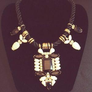 Jewelry - Tribal-Like Neck Decor